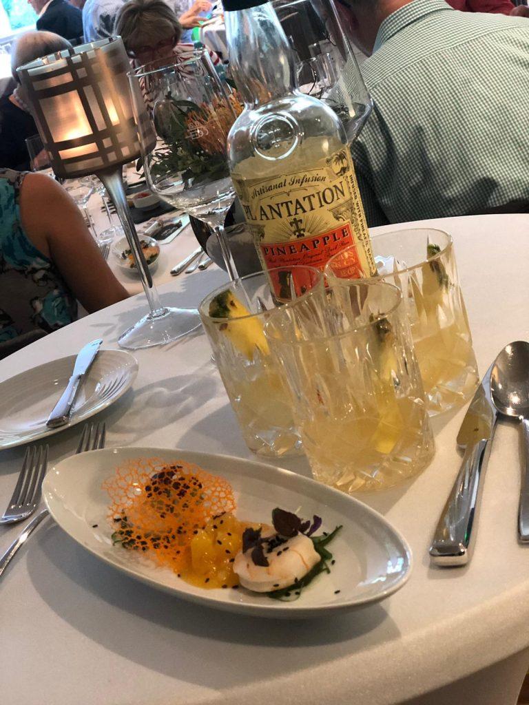Rum, Reisen und speisen